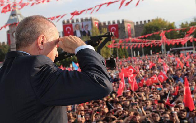 To διπλωματικό «πόκερ» της τουρκικής επίθεσης στη Συρία και η Ελλάδα