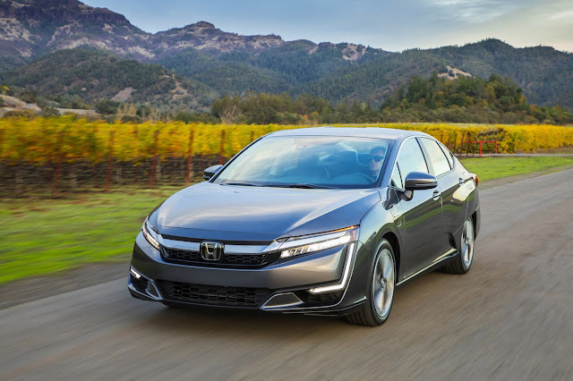 2020 Honda Clarity Plug-In Hybrid Delivers Premium Driving Experience, with Excellent Driving Range and Fuel Economy Ratings