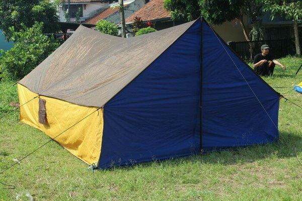 Tenda Pramuka (Ridge) sangat besar dan membutuhkan kerjasama tim