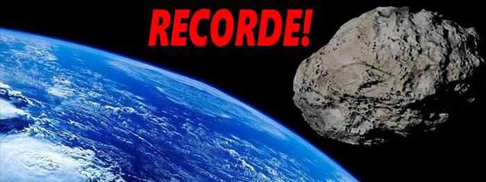a maior aproximação de asteroide com a Terra