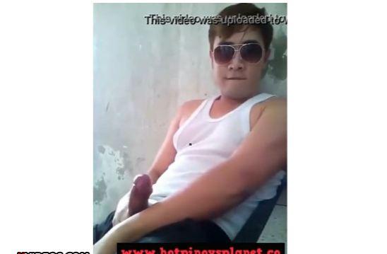 GAY PINOY JERK OFF- SALSAL NI KUYANG NAKA SANDO!