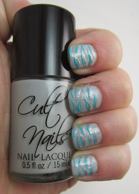 Tiger-Stripe-Nail-Art-Non-Traditional