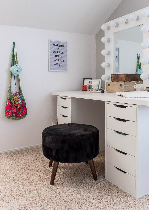 teen girl vanity/desk with DIY Hollywood mirror