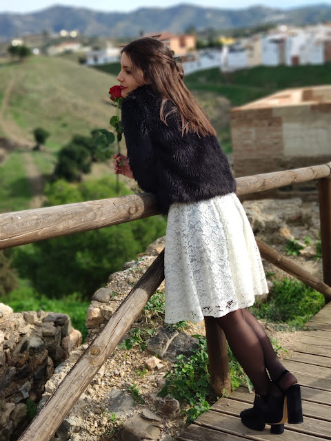 vestido blanco encajes heelsandroses almarella