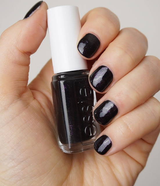 Essie - Haute Tub (Winter Collection 2015)