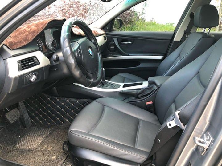 Chọn BMW 320i đã qua sử dụng 10 năm hay VinFast Fadil mới?