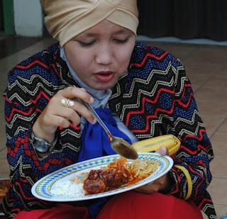 http://www.pitra-nurlatipah.blogspot.com/2015/12/anak-susah-makan-coba-deh-cara-ini.html