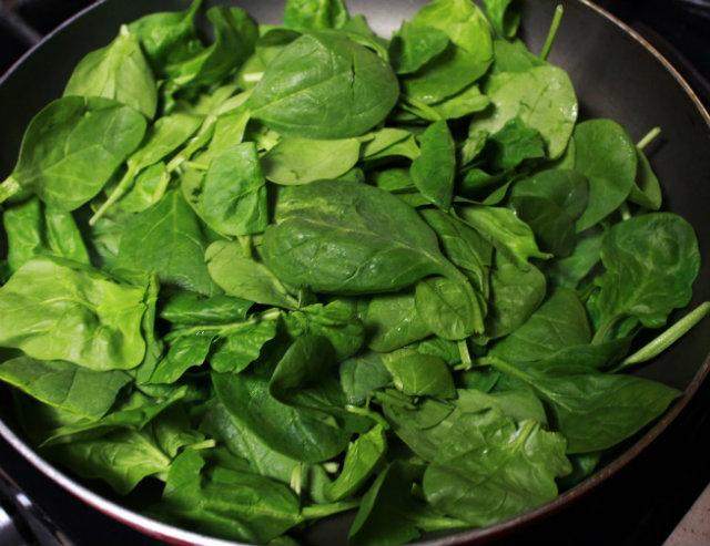 wilting fresh spinach