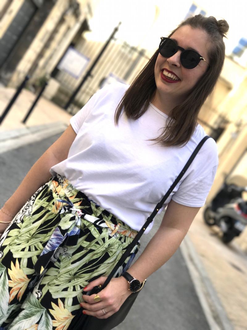 t-shirt blanc et pantalon large imprimé tropical stradivarius, trio bag céline et lunette de soleil Asos