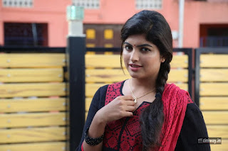 Adra-Machan-Visilu-Heroine-Naina-Sarwar-New-Photos