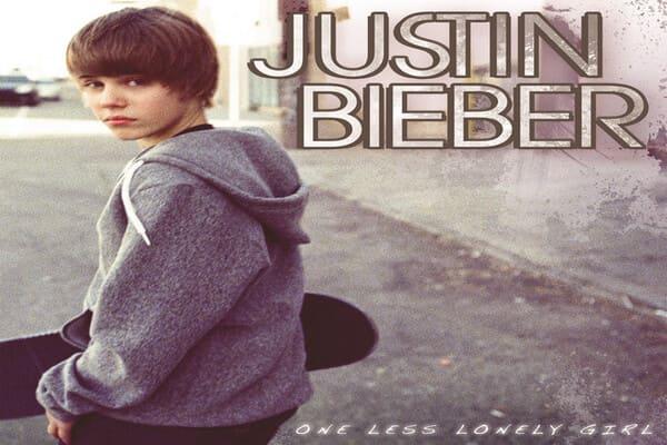 Lirik Lagu Justin Bieber One Less Lonely Girl dan Terjemahan