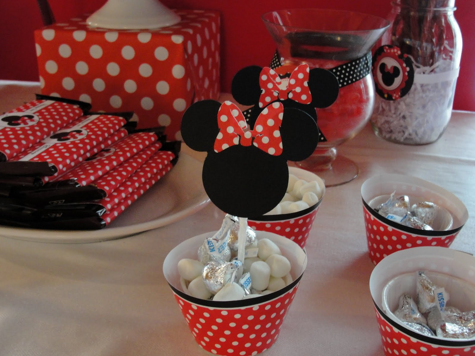 33 Minnie Mouse Themed Candy Buffet Ideas