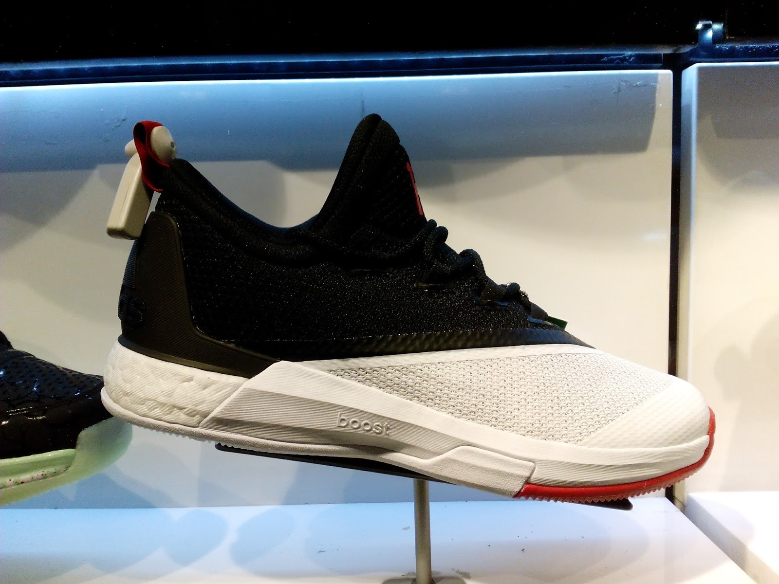 the latest 0c5e3 080bd Crazylight Boost 2.5 James Harden PE available now  Analykix