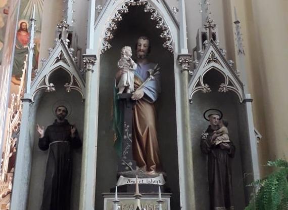 parroquia san jose altar