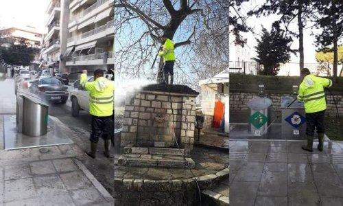Στο πλύσιμο και την απολύμανση όλων των υπογειοποιημένων κάδων προχωρά η υπηρεσία καθαριότητας του Δήμου Ιωαννιτών.