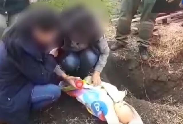 Женщина утопила новорожденного внука в ведре