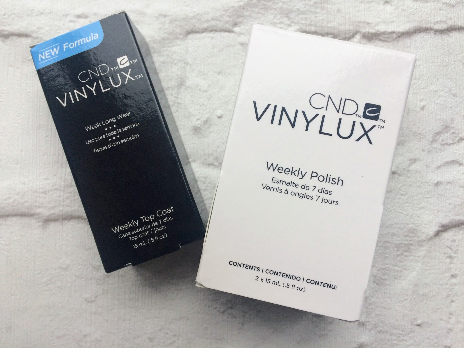 CND Vinylux weekly colour and top coat