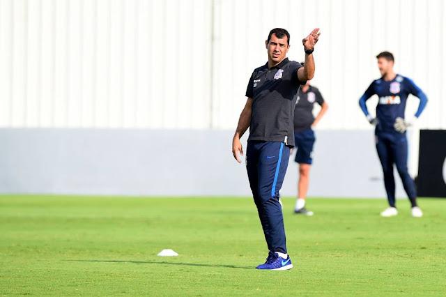 Invicto em 2017, Carille vai mandar o Corinthians ao ataque em Itaquera (foto: Sergio Barzaghi/Gazeta Press)