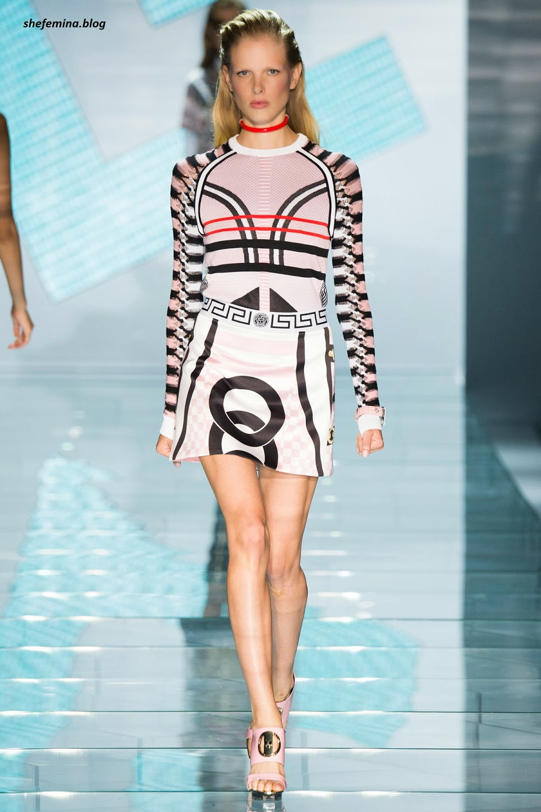 75ac09563 Versace Spring 2015 Ready-to-Wear Dresses Collation at Fashioh Show Runway