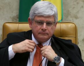 PGR quer saber se Dilma obstruiu Justiça ao nomear Lula como ministro