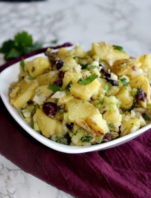 http://simpleandsavory.com/no-mayo-potato-salad-sundaysupper/