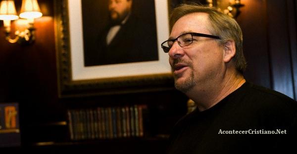 Rick Warren es hospitalizado