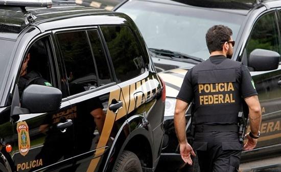 PF cumpre mandados em Campos e região contra tráfico de drogas