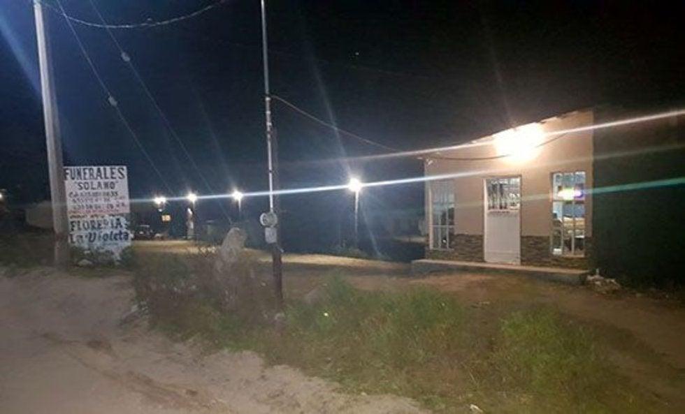 Dejan 4 cuerpos, uno calcinado, afuera de funeraria en Chihuahua