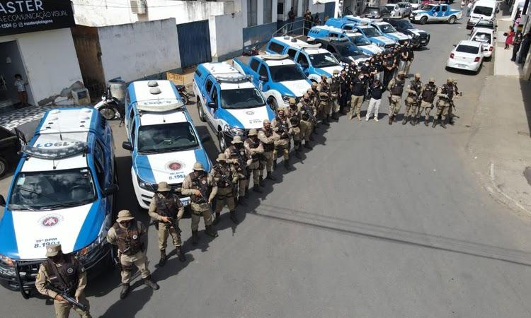 PC e PM cumprem doze mandados de busca e conduzem cinco em Jaguaquara