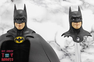 S.H. Figuarts Batman (1989) 26