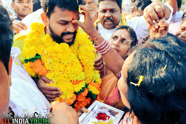 Ram Mohan Naidu greeted by people