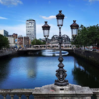 Dublin images: Lamppost on the River Liffey