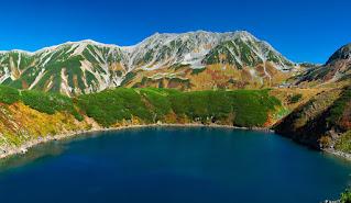 I laghi vulcanici, vulcani che la  natura ha trasformato in laghi