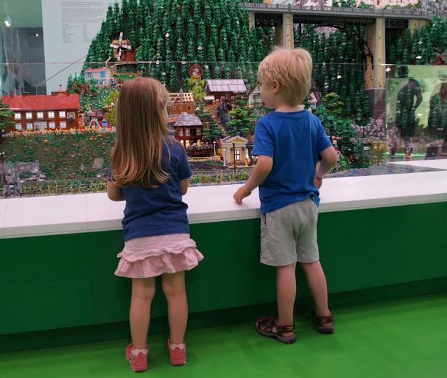 10 Tipps für den Besuch des LEGO House. Mit diesen Ratschlägen könnt Ihr auch als Familie mit Kindern ganz viel Spaß haben!