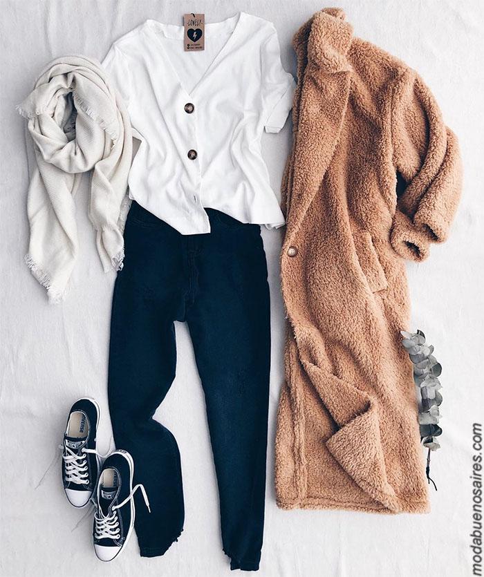 Tapados corderito precios. Moda invierno 2019 mujer argentina. Pantalones de jeans, babuchas, buzos, sweaters, sacos tejidos, remeras, ropa de mujer 2019 con precios argentina.