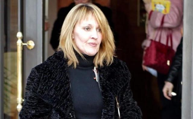 Henar Ortiz, tía de la reina Letizia, difunde un manifiesto contra la monarquía