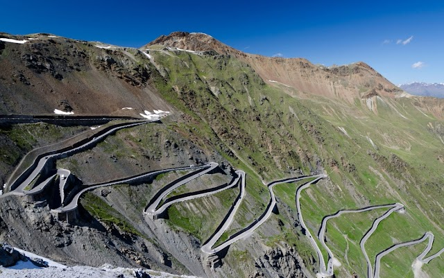 The most attractive driving roads in the world