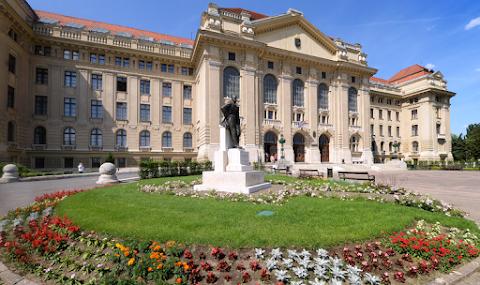 Oktatási központ épül a külföldi hallgatóknak a Debreceni Egyetemen