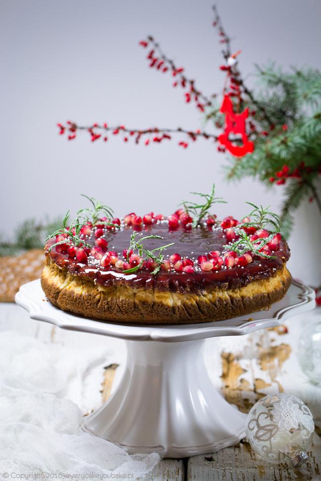 sernik bożonarodzeniowy piernikowo-marcepanowy z galaretką z wina korzennego
