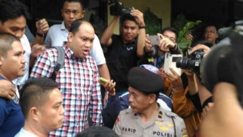 Bupati Banyuasin Yan Anton Ferdian saat ditangkap KPK