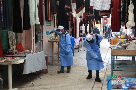 """سلطنة عمان تشدد إجراءات مواجهة """"كوفيد-19"""""""