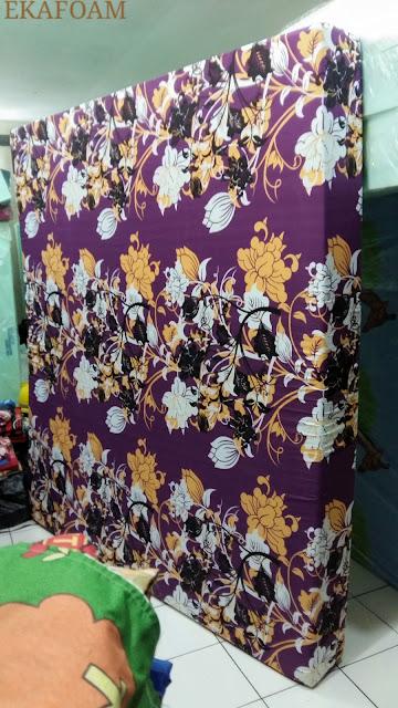 kasur busa inoac motif bunga ungu