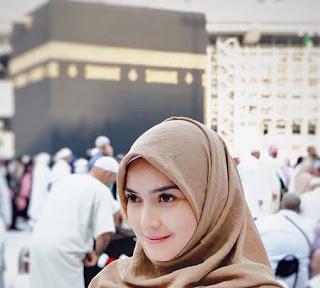 Fatmasury di Mekkah