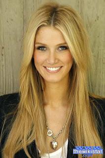 دلتا جودرم (Delta Goodrem)، مغنية وممثلة أسترالية