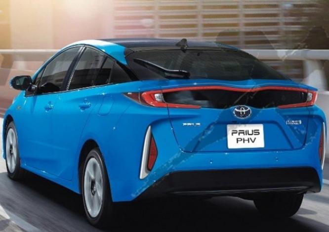 2018 Toyota Prius V Review