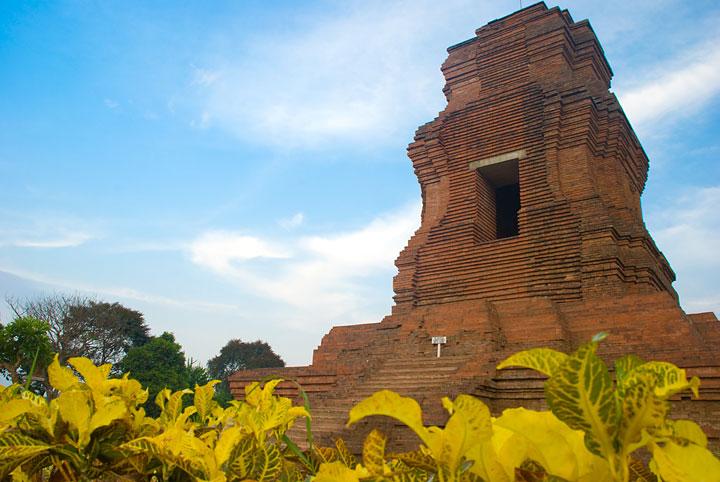 Candi Brahu Adalah Wisata Sejarah Dari Mojokerto