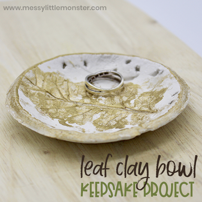 Clay leaf bowl