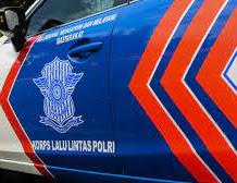 Oknum Polisi Dicopot Dari Jabatannya Karena Pakai Mobil Patroli Buat Pacaran