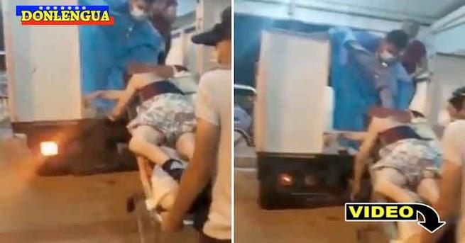 Ambulancia se quedó sin gasolina y metieron al paciente en un camión de carga