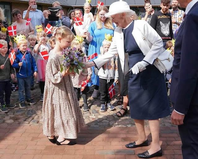 Queen visited Askov Folk High School and Skibelund Krat in Vejen Municipality in Southern Jutland